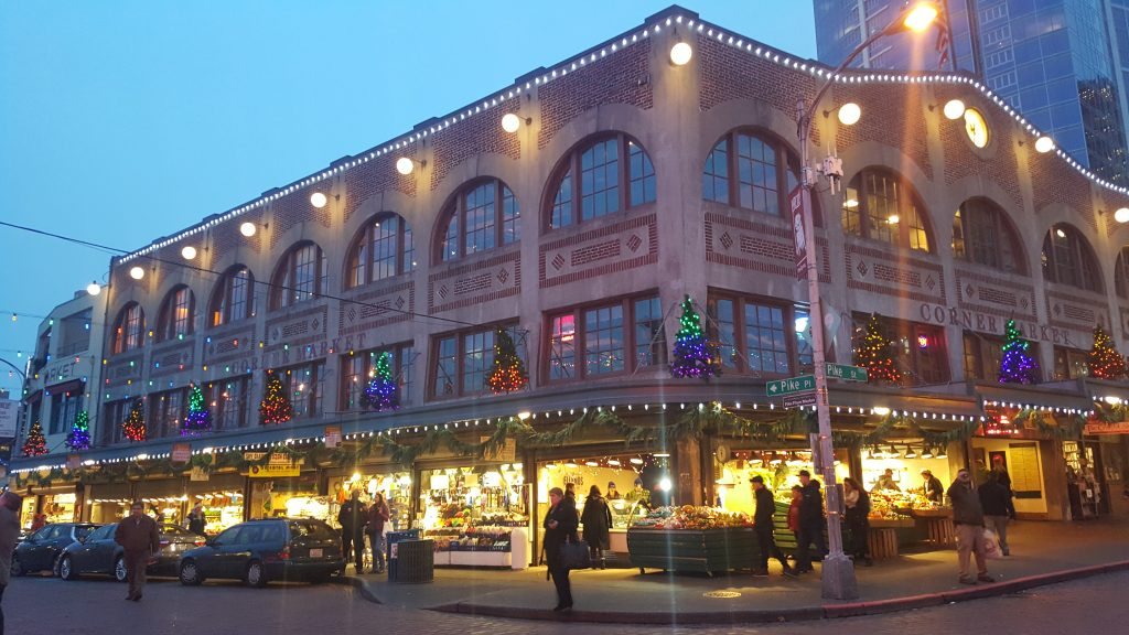 pike-place-market-holiday